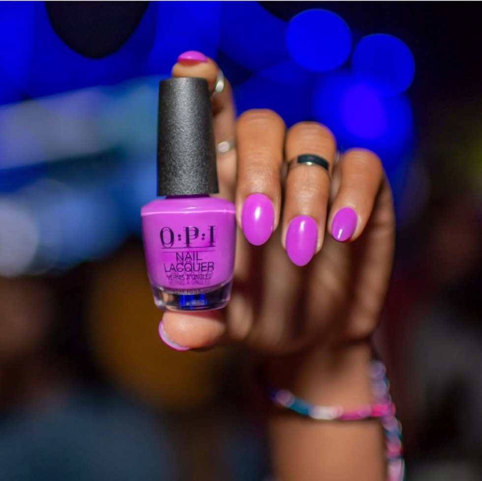 Top 10 Best Summer Nail Polish Colors - I'm Fixin' To - @mbg0112 | Top 10 Best Summer Nail Polish Colors by popular North Carolina blog, I'm Fixin' To: image of a hand with OPI Positive Vibes Only on the fingernails.