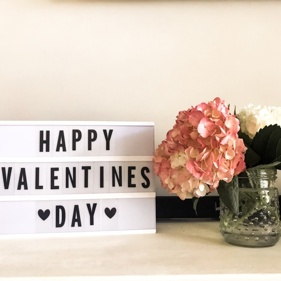2019 Valentine's Day Gift Guide - I'm Fixin' To - @mbg0112 | | Unique Valentine's Day Gift Ideas For Him & For Her featured by top US life and style blog, I'm Fixin' To