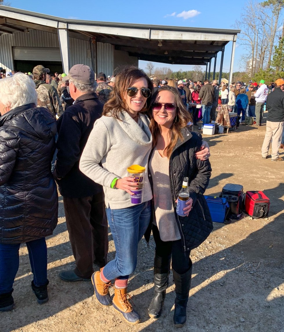 Eastern North Carolina Favorite: Last Saturday Oyster Roast - I'm Fixin' To - @mbg0112 | Last Saturday Oyster Roast in Jackson NC review featured by top North Carolina blogger, I'm Fixin' To