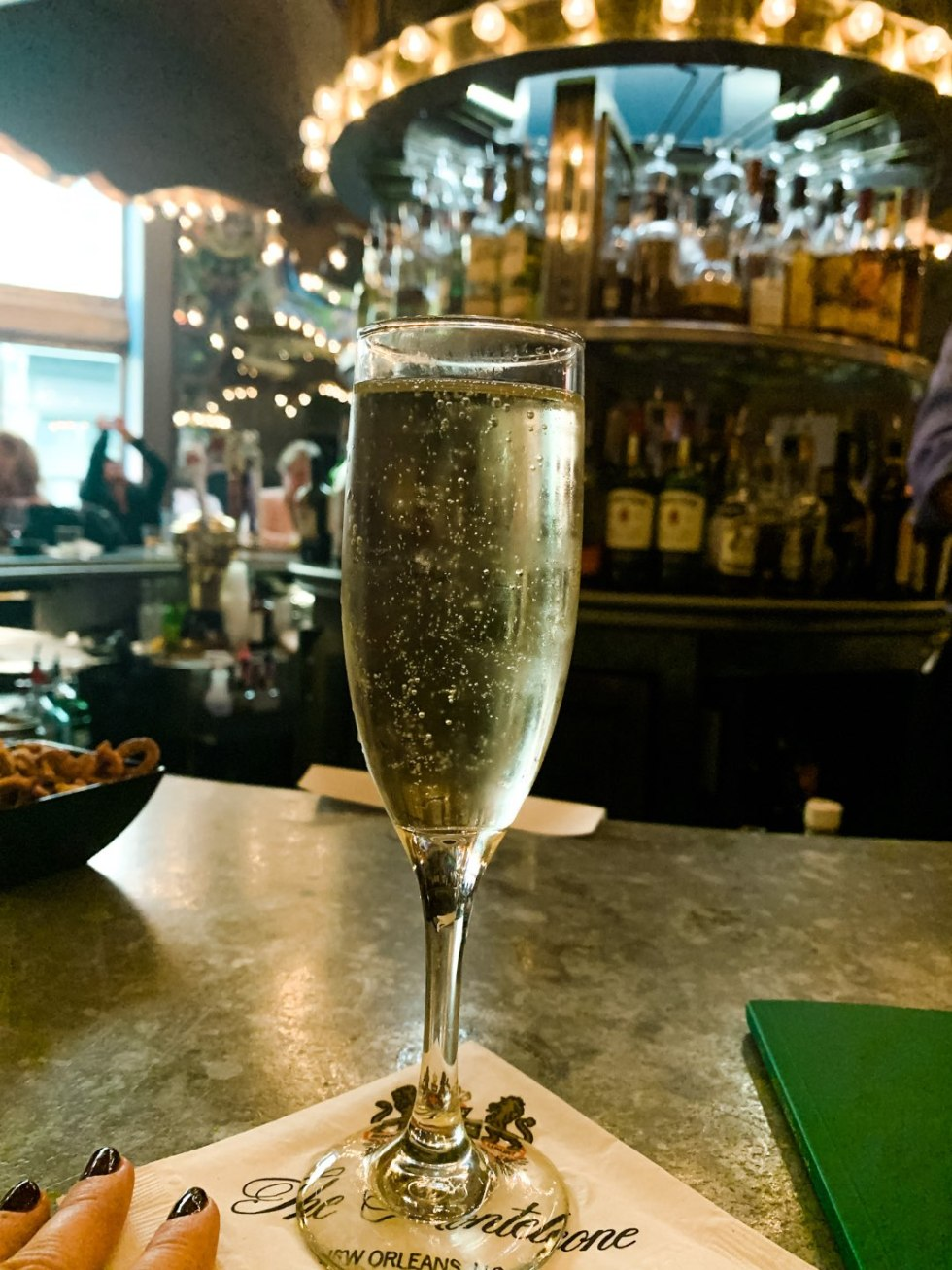 A Girls Trip to New Orleans: All the Info you Need to Prepare! - I'm Fixin' To - @mbg0112 | Girls Trip to New Orleans by popular US travel blog, I'm Fixin To: image of the Carousel bar.