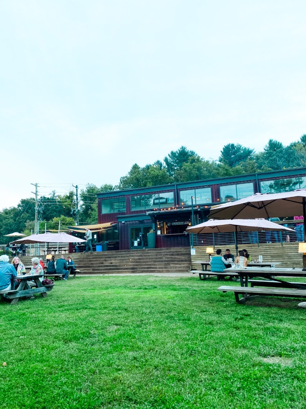 A Casual Weekend in Asheville: the Best Things to Do with your Dogs - I'm Fixin' To - @mbg0112   Weekend In Asheville by popular NC travel blog, I'm Fixin' To: image of Smokey Park Supper Club.