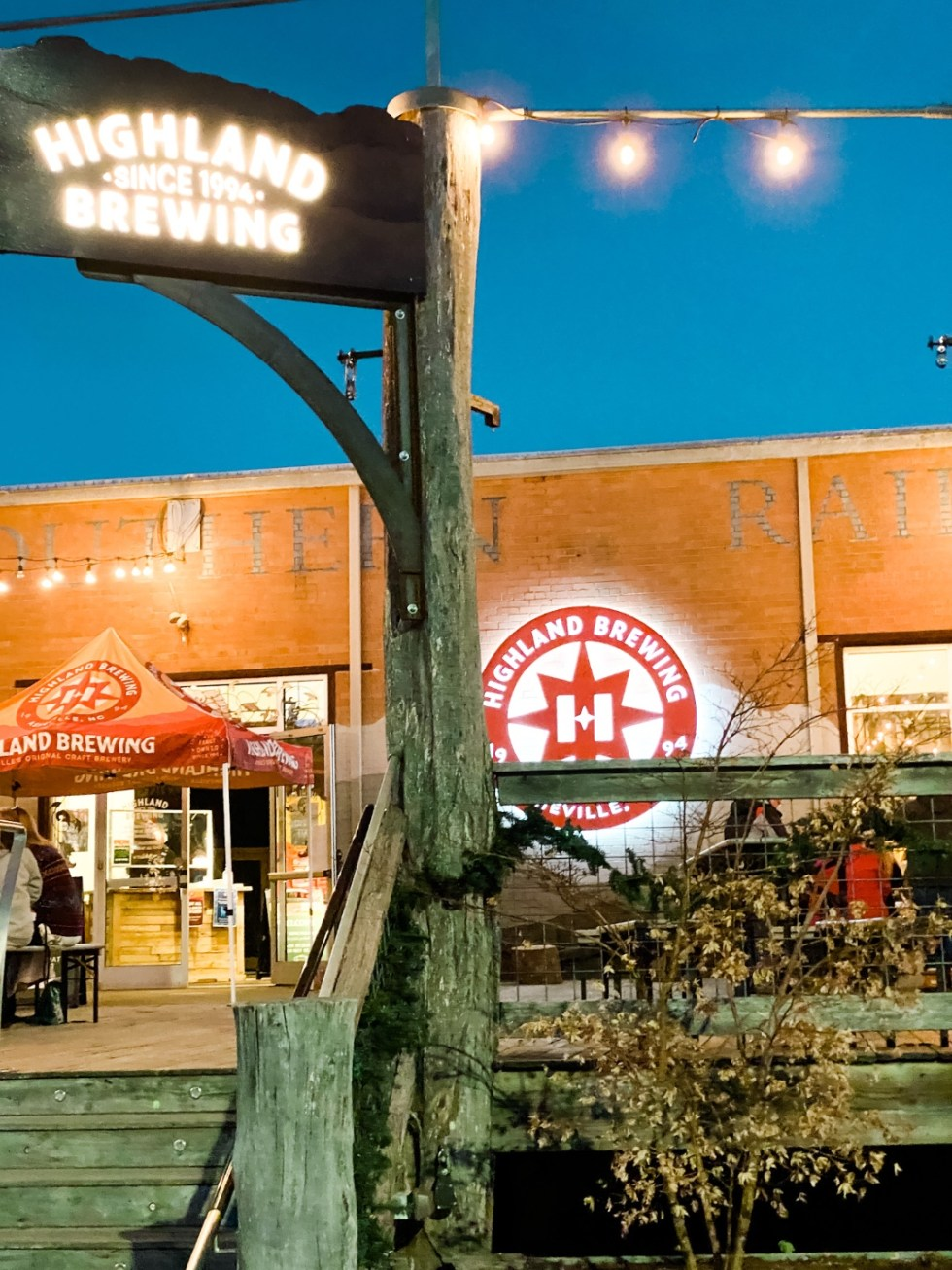 Christmas in Asheville: a Weekend Getaway During the Holidays - I'm Fixin' To - @imfixintoblog |Christmas in Asheville NC by popular NC lifestyle blog, I'm Fixin' To: image of Highland Brewing Co.