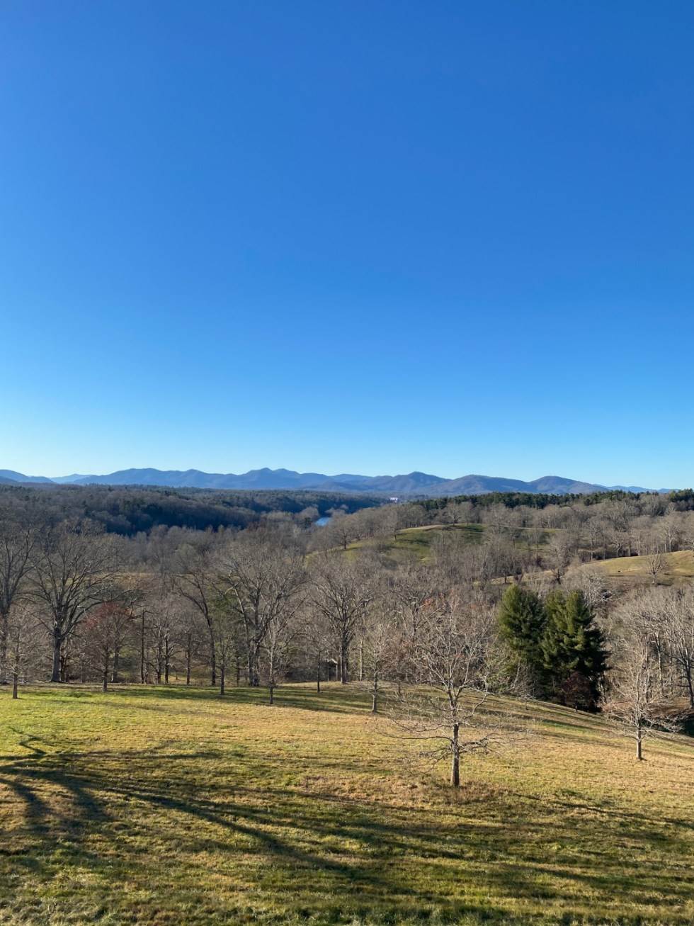 Christmas in Asheville: a Weekend Getaway During the Holidays - I'm Fixin' To - @imfixintoblog |Christmas in Asheville NC by popular NC lifestyle blog, I'm Fixin' To: image of The Winery.