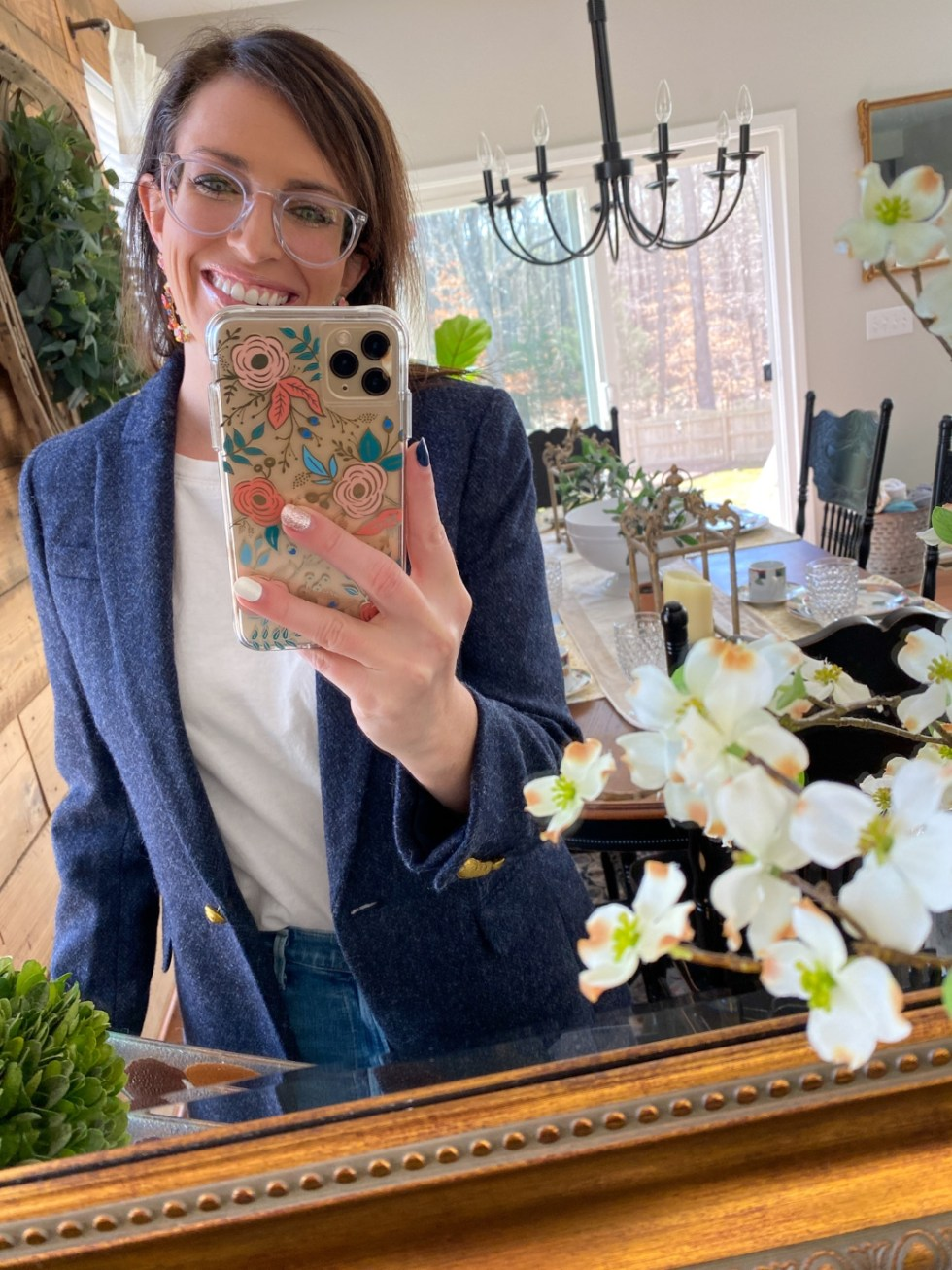See With Style: Warby Parker Eye Glasses - I'm Fixin' To - @imfixintoblog |Warby Parker Eye Glasses by popular NC fashion blog, I'm Fixin' To: image of a woman wearing a pair of Warby Parker glasses.