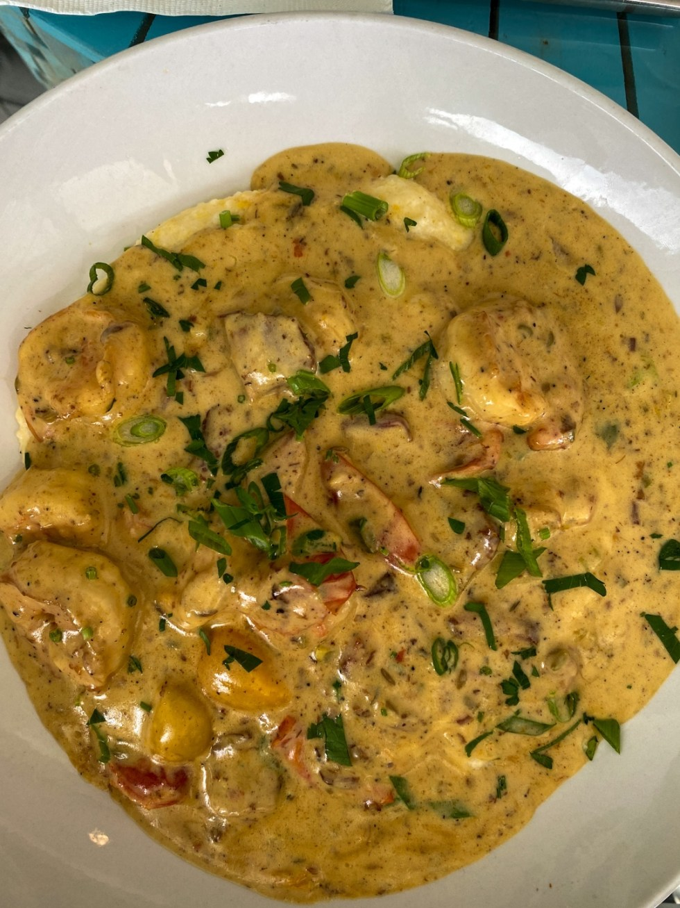 A Spring Weekend in Wilmington, NC: the Best Things to Do - I'm Fixin' To - @imfixintoblog |Weekend in Wilmington by popular NC travel blog, I'm Fixin' To: image of shrimp and grits.