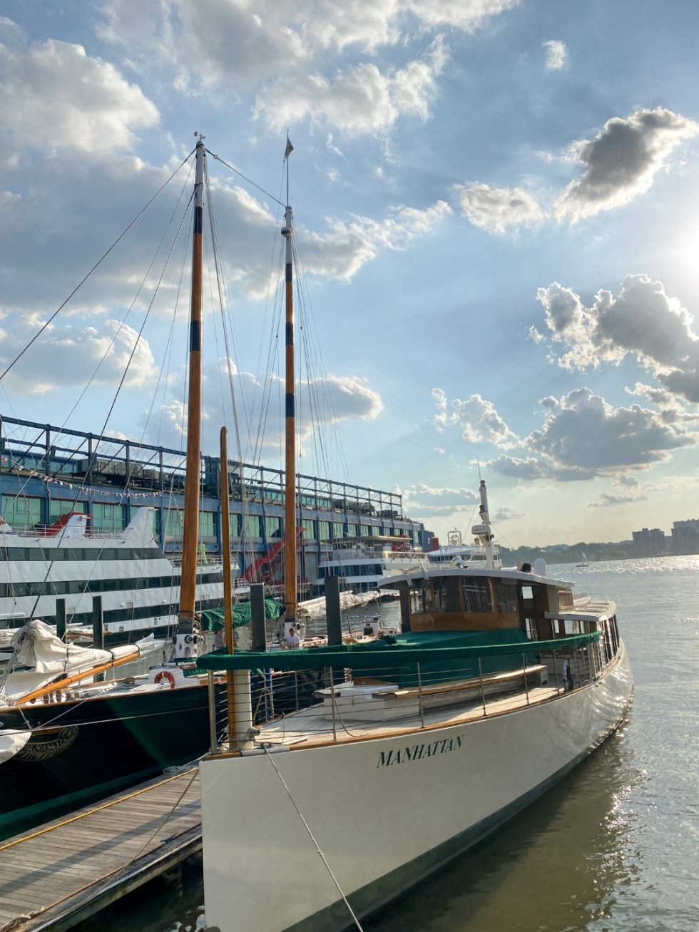 NYC Summer Weekend: Things to Do in NYC in the Summer - I'm Fixin' To - @imfixintoblog   NYC Summer Weekend by popular NC travel blog, I'm Fixin' To: image of the Manhattan sailboat.