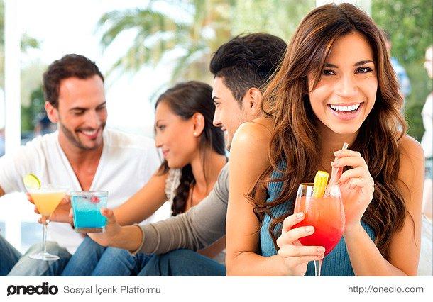 Daha sosyal bir kişiliğe sahip oluyorlar, geniş bir arkadaş çevresine sahip sevilen birer birey olup çıkıyorlar.