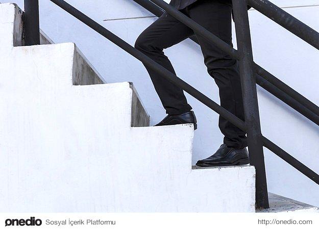 Asansör yerine merdivenleri kullanın.