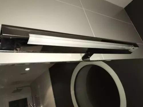 changer ampoule lumiere miroir salle de