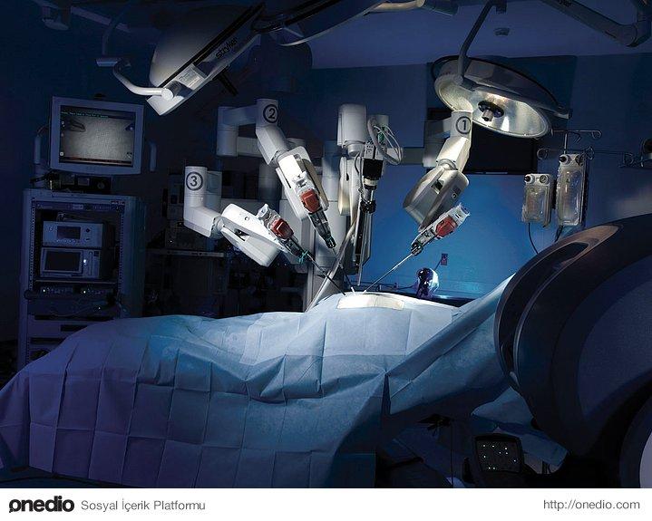Doktora gitmemizi gerektiren durumların %80'i yapay zekaya sahip makineler ya da insansı robotlar tarafından müdahale edilip çözülebilecek.