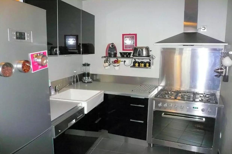 cuisine ikea noire et inox