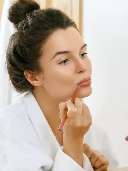 Comment Ne Plus Avoir De Double Menton : comment, avoir, double, menton, Beauté,, Magazine, Beauté, Journal, Femmes, Coiffure,, Parfum,, Maquillage,, Soins, Visage,, Corps...