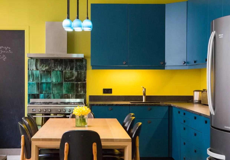 cuisine bleu et jaune