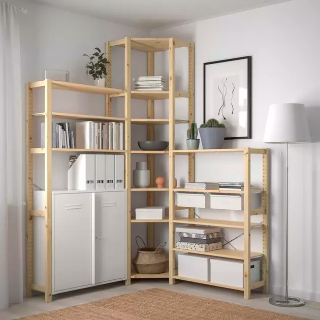 un meuble de rangement d angle