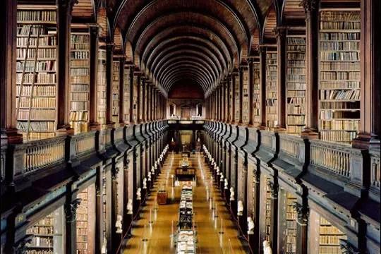 """Résultat de recherche d'images pour """"LES PLUS BELLES BIBLIOTHEQUES DU MONDE : Bibliothèque du Trinity College, Dublin, Irlande"""""""