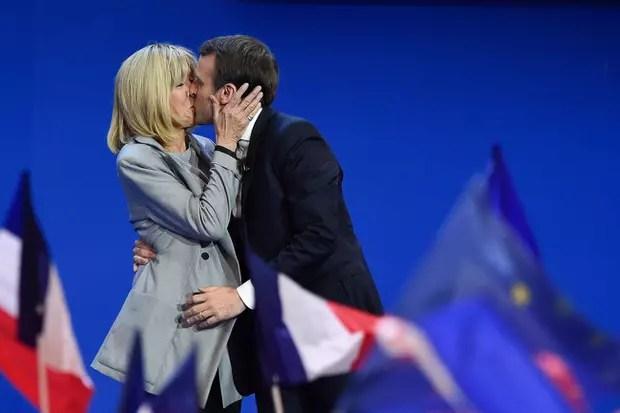 Le baiser des Macron