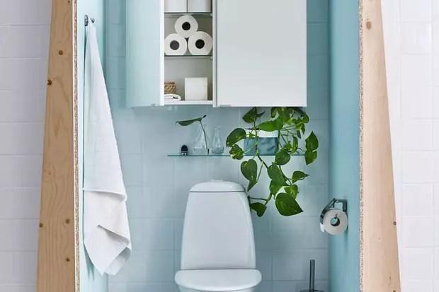 un placard au dessus des wc