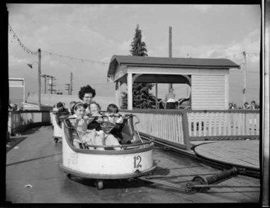 VPL 44438 playrides at PNE 1950