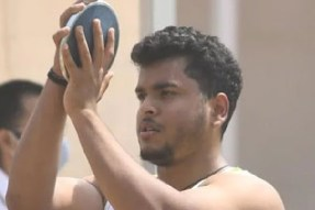 Indias Yogesh Kathuniya wins silver in Mens Discus throw F56