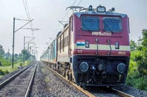 South Central Railway Cancelled Two Trains Between vizag and Vijayawada