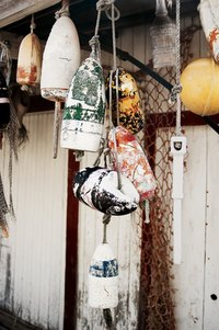 How to Make a Bottle Hanging Lamp   eHow