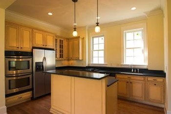What Color Of Paint Looks Good With Natural Maple Cabinets? Home