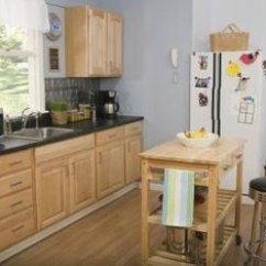 Kitchen To Go Cabinets Wusthof Shears What Colors With Light Colored Oak Home Guides Sf Gate Contrasting Harmonize