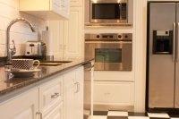 How to Coordinate Floor Tile Color & Countertops