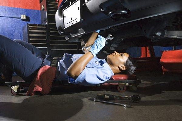 Job Description of a Diesel Mechanic  Woman
