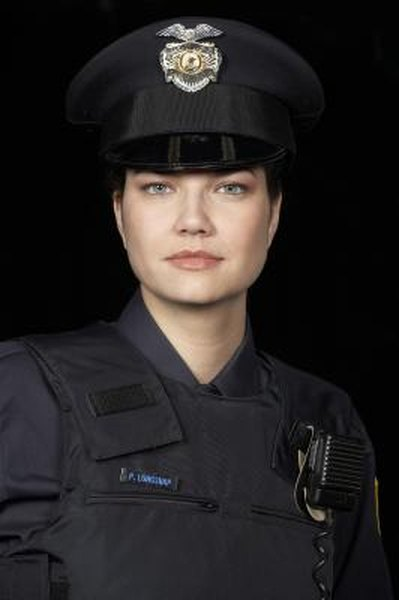 Qualifications for Veterans Affairs Police  Woman