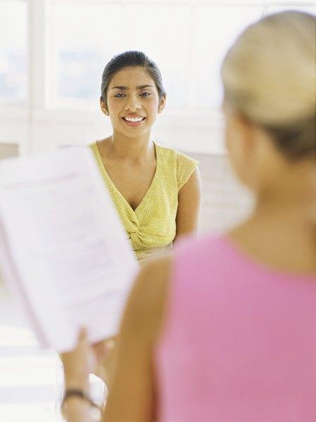 Junior Recruiter Job Description - Woman