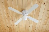 Which Way Should Ceiling Fans Rotate in the Winter? | eHow