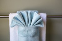 How to Hang Bathroom Towels Decoratively (with Pictures ...