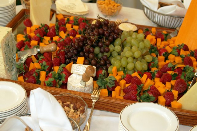 How to Plan a Reception With Finger Food for 200 People  eHow