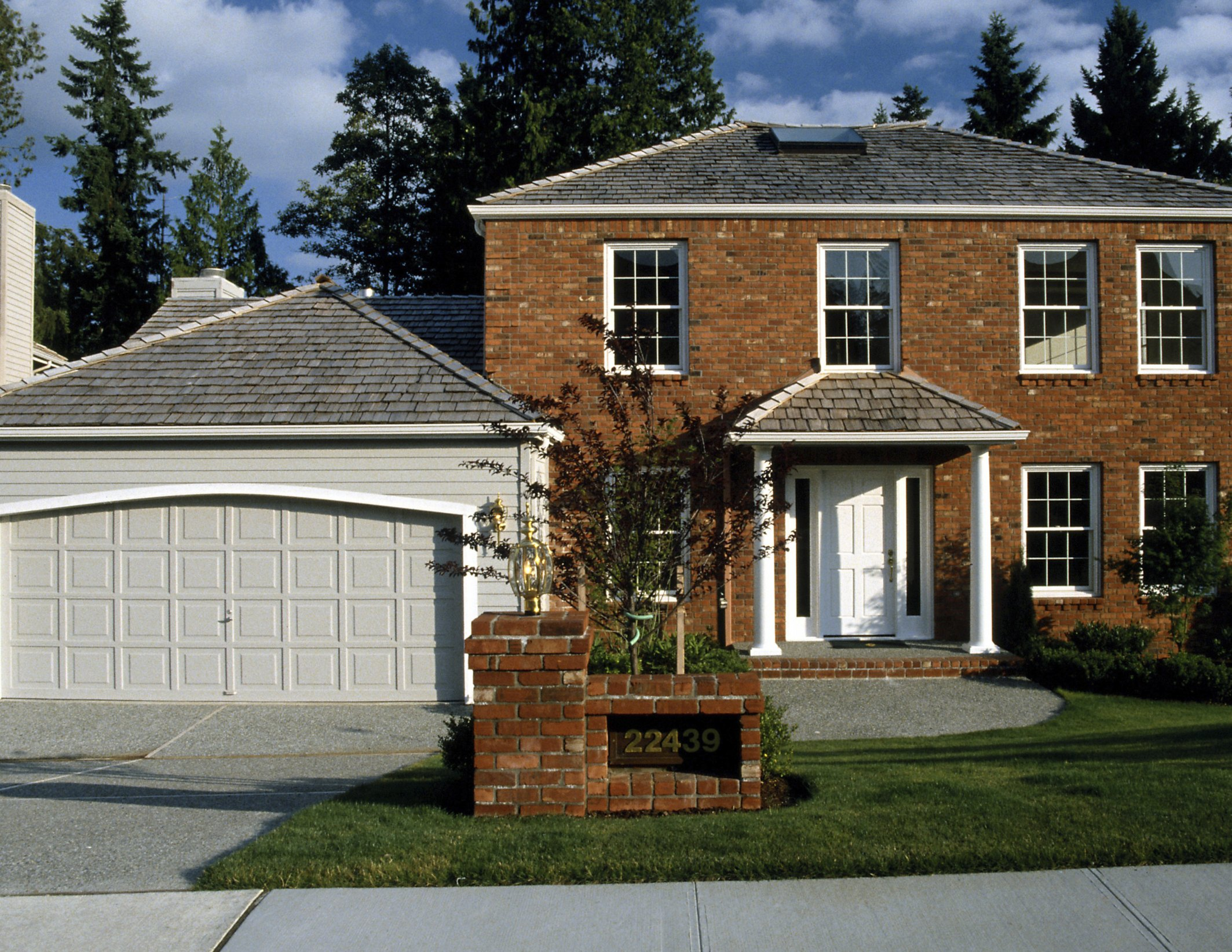 Ideas for a Breezeway to a Detached Garage with Pictures  eHow