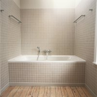 Are Access Panels Required for Bathtub Plumbing Access? | eHow