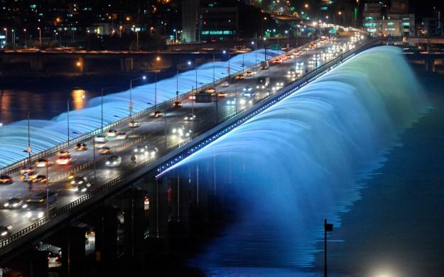 5. Banpo Girder bridge in Seoul, South Korea 3