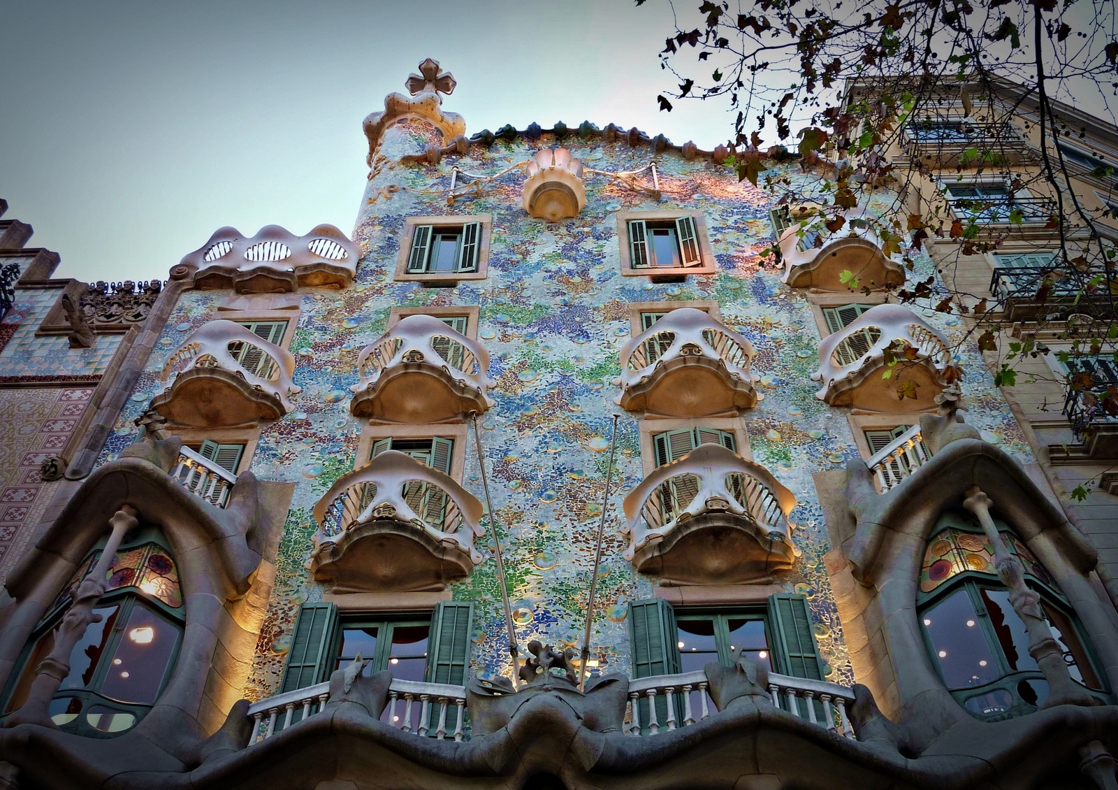 MustSee Gaudi Buildings  Brain Berries