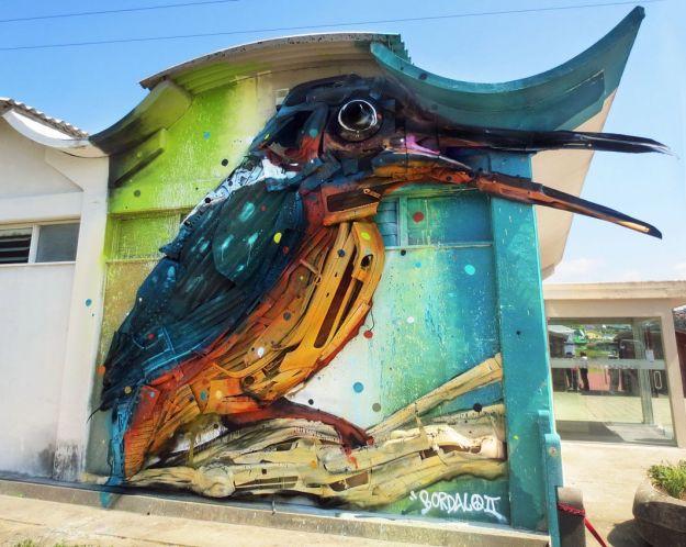 Junk Gets a Second Life as Gorgeous 3D Animal Street Art 16