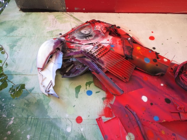 Junk Gets a Second Life as Gorgeous 3D Animal Street Art 20