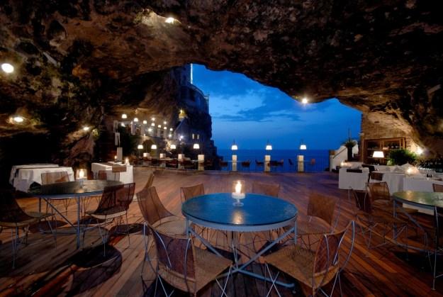 10) Ristorante Grotta Palazzese, Italy