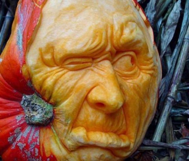 Mindblowing Halloween Pumpkin Carvings 9