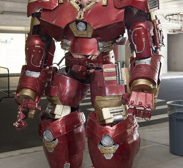 This Hulkbuster Costume Is The Most Realistic Cosplay Of All Time 7