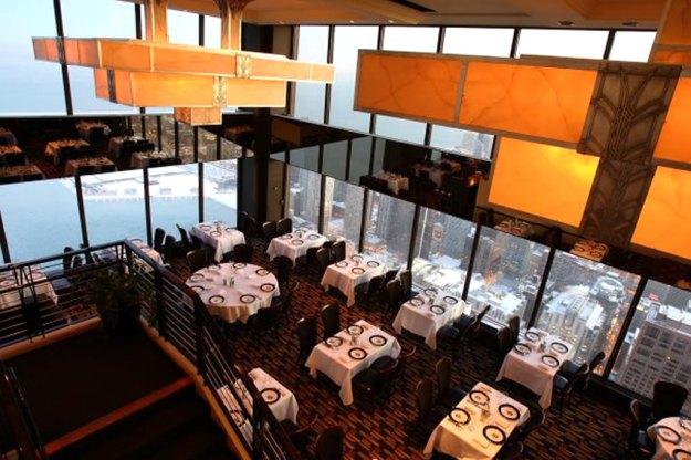 25 World's Best Restaurant Views 10