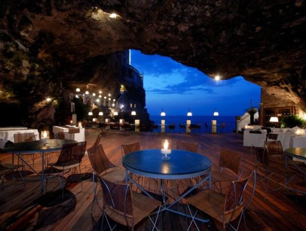 25 World's Best Restaurant Views 47