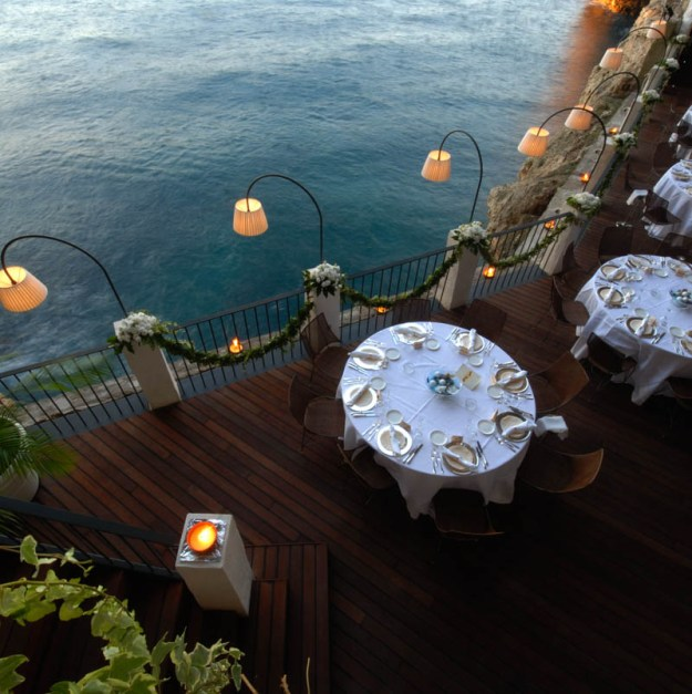 25 World's Best Restaurant Views 48