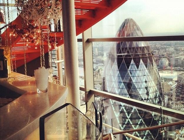 25 World's Best Restaurant Views 85
