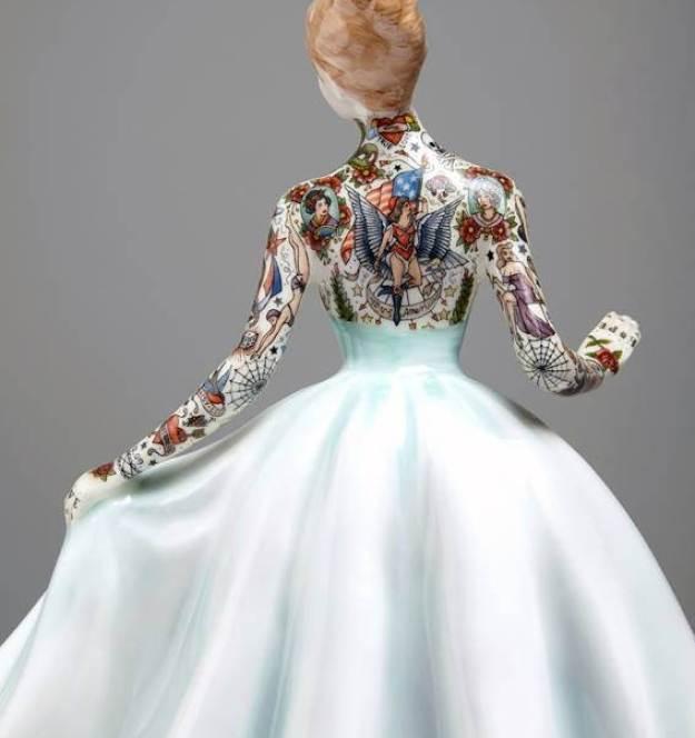 Jessica-Harrison-Tattooed-Porcelain-Figurines-10
