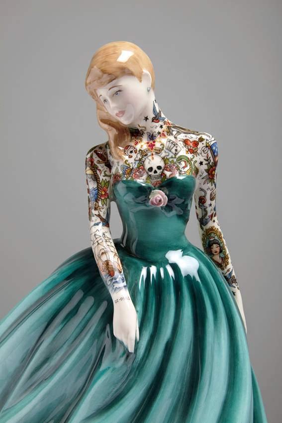Jessica-Harrison-Tattooed-Porcelain-Figurines-18