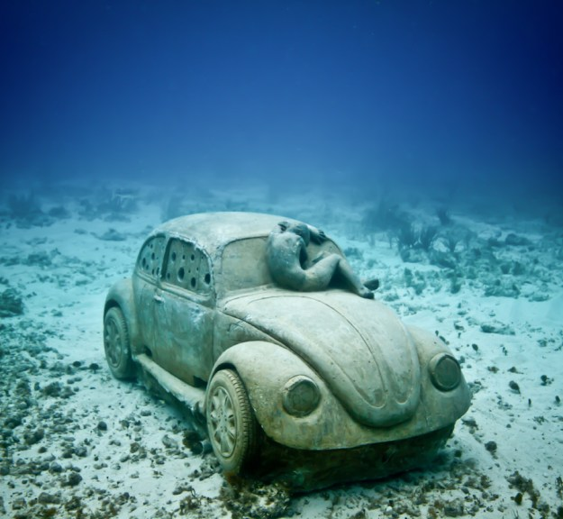 astonishing_underwater_museum_in_cancun_mexico_02